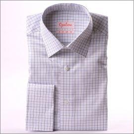 Chemise blanche à carreaux bleus et poignets mousquetaires