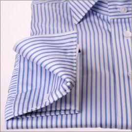 Chemise à poignets mousquetaires à rayures blanches et bleues