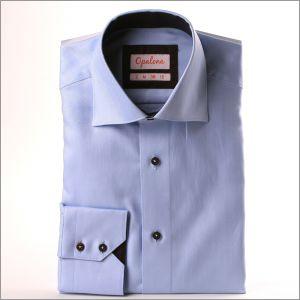 Chemise à chevrons bleue et col marron