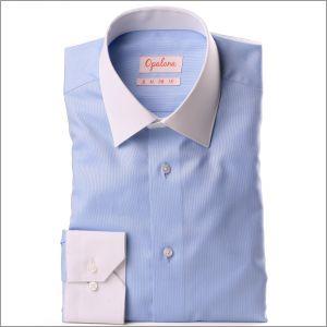 Chemise oxford bleue à col et poignets blanc