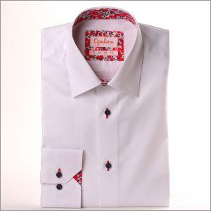 Chemise blanche à col et poignets à motifs fleuris rouges