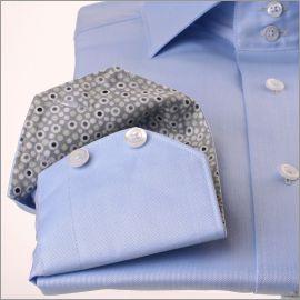 Chemise bleu ciel à col et poignets gris à bulles