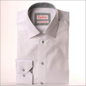 Chemise blanche à col et poignets à losanges gris