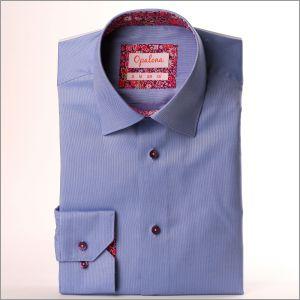 Chemise bleue à col et poignets fleuris violet