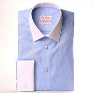Chemise oxford bleue à col blanc et poignets mousquetaires