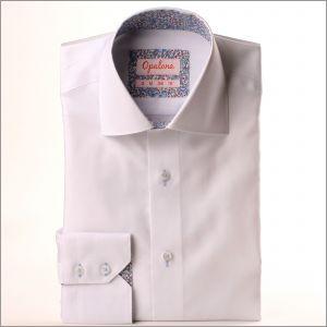 Chemise blanche à col et poignets fleuris bleus