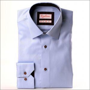 Chemise bleu ciel à col et poignets marrons