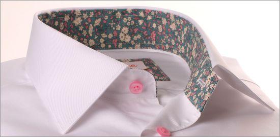 Chemise blanche à col et poignets gris à fleurs