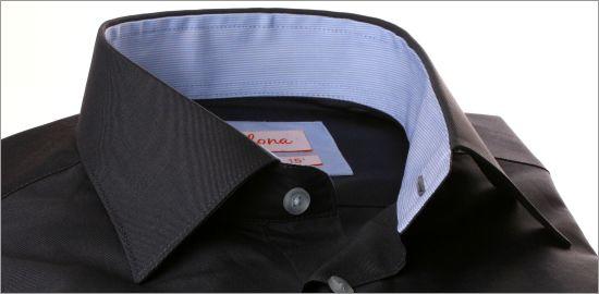 Chemise grise à col et poignets bleu ciel