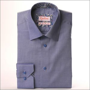 Chemise oxford bleu foncé à col et poignets à fleurs bleues