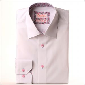 Chemise blanche à col et poignets à petits motifs fleuris roses