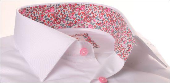 Chemise blanche à col fleuri rose